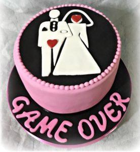 torta game over scura per addio al nubilato
