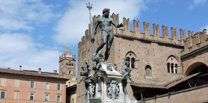 Il Gigante Fontana del Nettuno a Bologna