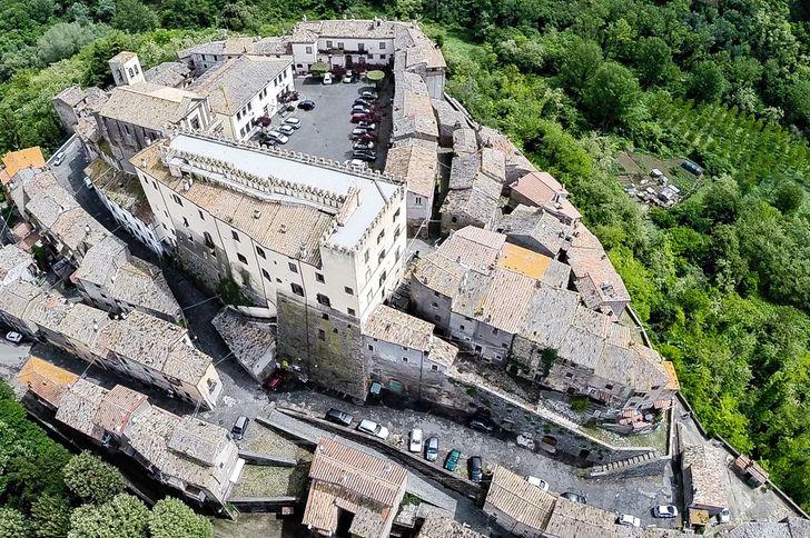 Castello Costaguti foto 2