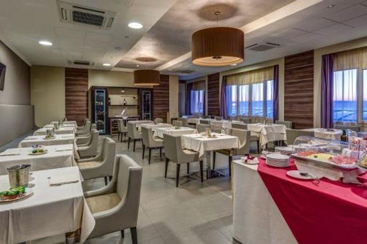 Best Western Plus Hotel Perla Del Porto foto 9