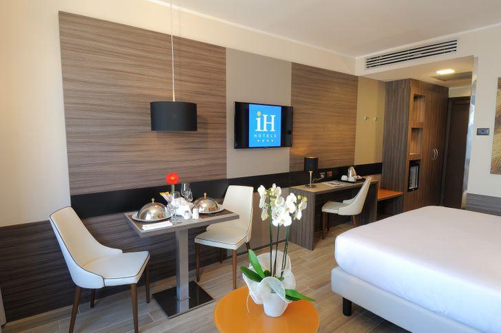 IH Hotels Milano Lorenteggio foto 10
