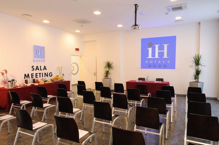 IH Hotels Milano Lorenteggio foto 2