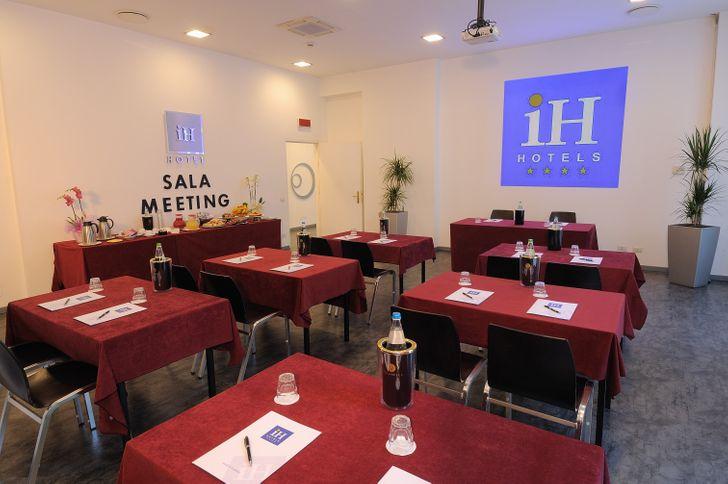 IH Hotels Milano Lorenteggio foto 3
