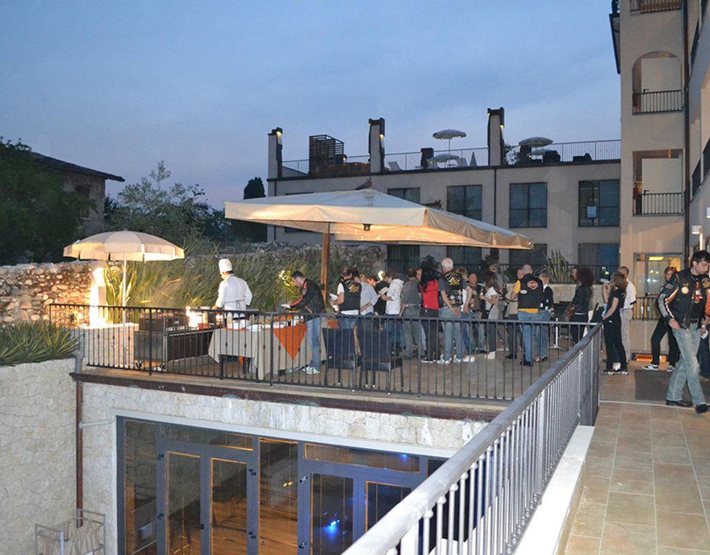 Sale meeting villa luisa resort spa san felice del benaco for Sale arredate