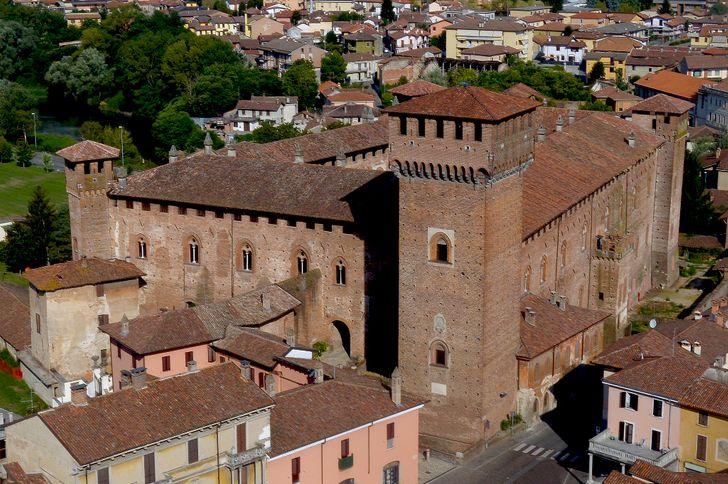 Castello Bolognini foto 1
