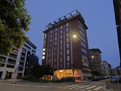 sale meeting e location eventi Milano - UNAHOTELS Mediterraneo Milano