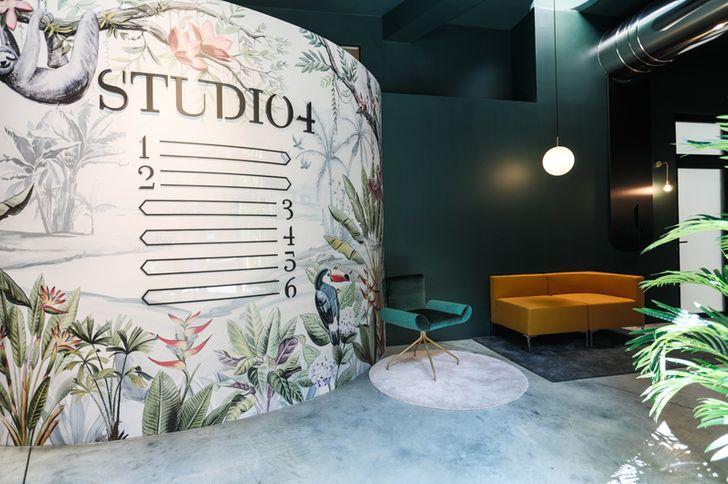 Studio 4 foto 1