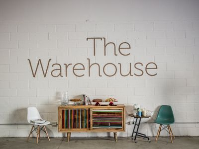 sale meeting e location eventi Olbia - The Warehouse Event Space