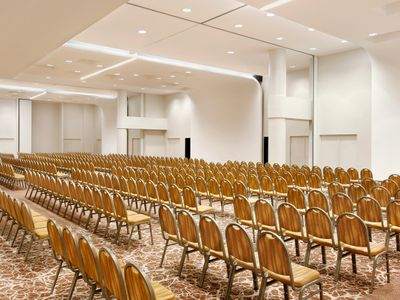 sale meeting e location eventi Ferno - Sheraton Milan Malpensa