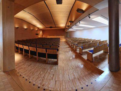 Forum 180 foto 1